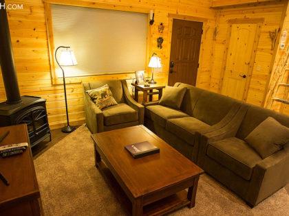 New Yellowstone Vacation Rental Cabin: Ursa Cabin in Silver Gate, Montana
