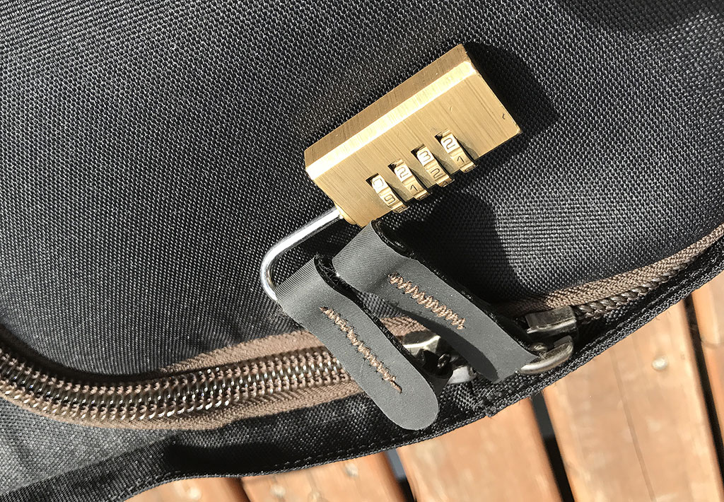 Travel lock on MP-1 zipper