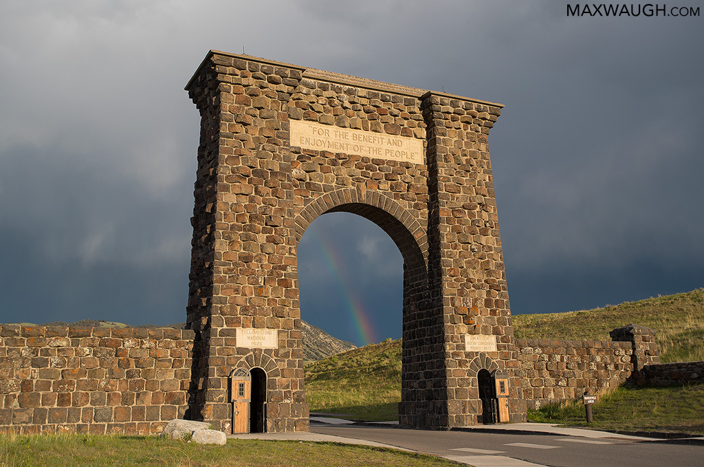 Roosevelt Arch and rainbow