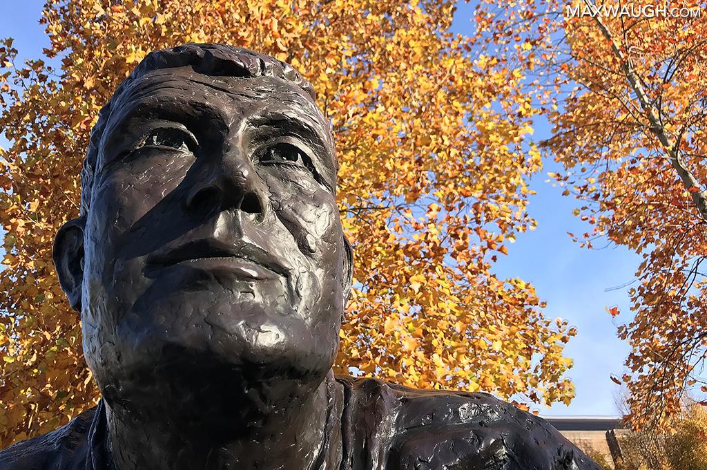 Jim Owens statue